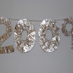Frugal New Year's Craft Idea — Sparkly 2009 Banner