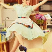 Giveaway: CUTE Apron from Shabby Apple