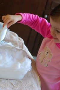 10 Winter Crafts & Activities for Tots