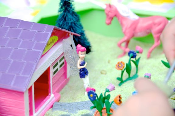 Developing Storytelling Skills with a Mini Sandbox