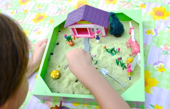 Developing Storytelling Skills with a Mini Sandbox