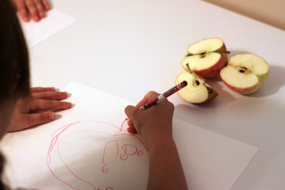 Apple Themed Unit- Fun ways to incorporate art, math, science, cooking, reading and more!