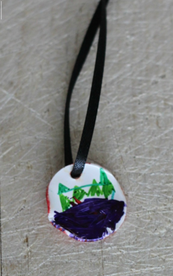 Shrinky Dink Necklaces! A gift that kids can make for the holidays!