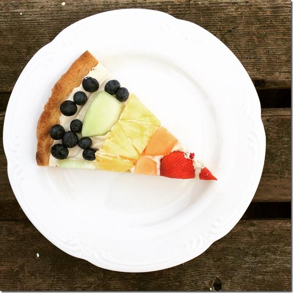 St. Patrick's Day Snack Idea -- Rainbow Fruit Pizza!