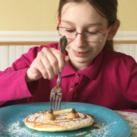Weekend Breakfast Treat – Happy Face Pancakes!