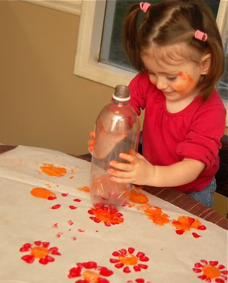 Flower Prints from Soda Bottles - what to do with toddlers while staying at home